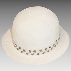 1950s Marshall Field Hat, Winter White Wool Felt, Gold Leaf Decoration, Hat Size 21.5
