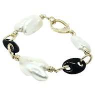 Large Baroque Freshwater Cultured Pearl And Black Onyx Links Bracelet