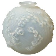 Authentic R. LALIQUE Opalescent DRUIDE Vase, c. 1924