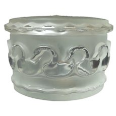 LALIQUE Frosted Crystal CANARDS (Swans) Powder Box