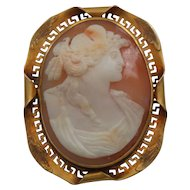 Antique SHELL Cameo Brooch, 10 Karat Yellow Gold Mounting, c. 1910