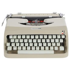 Underwood 18 Portable Typewriter