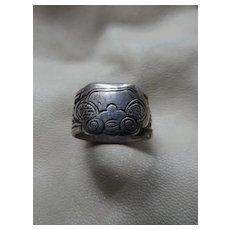 Vintage Chinese Ring