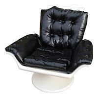Mid Century Atomic Space Age Molded Plastic Lounge Chair