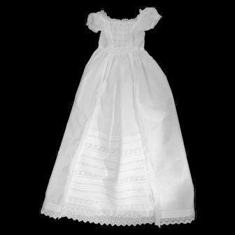 Exceptional Heirloom British Christening Gown in Very Fine Condition