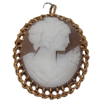 Large Cameo Pin/ Pendent, 18 Kt YG
