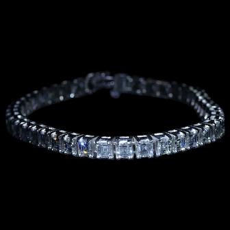 Outstanding Vintage Square Emerald Cut Diamond Bracelet 'Carre Cut' in Platinum
