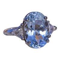 Lovely Aquamarine Ring set with Diamonds