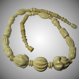 Art Deco carved Galalith Ivory Celluloid Beads Necklace