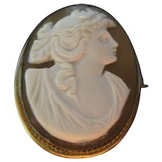 Lovely early gold filled Carved Shell CAMEO Brooch pin