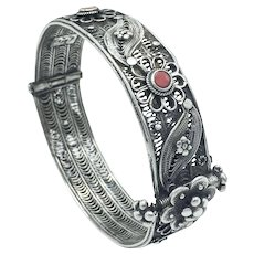 Yemenite Middle Eastern Silver Bracelet Bawsani Filigree & Coral Signed by Shamwil Sirri