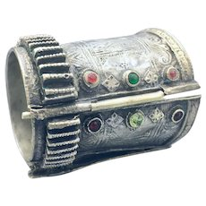 19th Century Yemenite Bedouin Silver Hinged Bracelet with Glass Cabochons