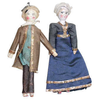 Two Grodnertal Dolls For A Toy Theatre