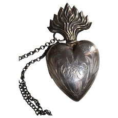 Antique Nineteenth Century Small Silver Sacred Flaming Heart Ex Voto Reliquary With Vermeil Interior
