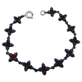 Victorian Rose Cut Garnet Bracelet - 6.5 Inches