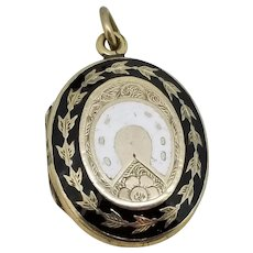 Horseshoe Enamel Locket / 1870-80 10kt Shell