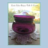 Glass Powder Jar VICTORIAN Amethyst Glass Tight & Presentation READY. Couleur is SUBLIME! Circa: 1890
