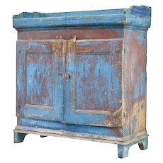 Early 19th century rustic Swedish pine painted cupboard