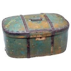 Mid 19th century Swedish painted pine shaped box