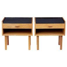 Pair of oak bedside tables designed by Hans J Wegner for RY Mobelfabrik