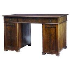 19th Century mahogany pedestal kneehole desk