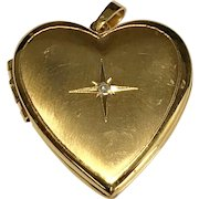 10 K Yellow Gold Diamond Heart Locket
