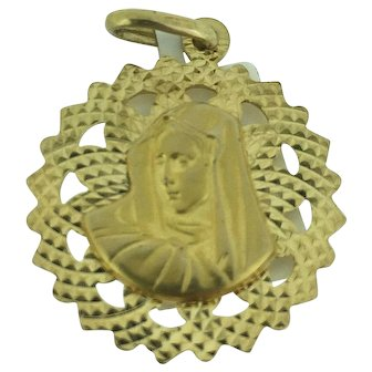 14 k Yellow Gold Diamond Cut Religious Reversible Medal 3D Jesus/3D Mary