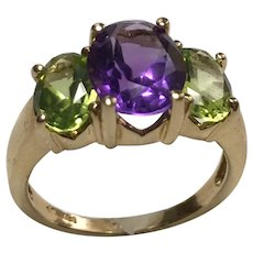 14 k Yellow Gold 1.75 carat Amethyst & 1.00 carat Peridot Ring