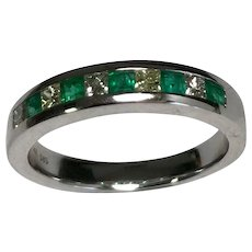 14 K White Gold Emerald & Diamond Band