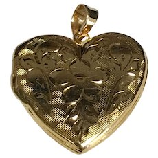 Vintage 14 K Yellow Gold Etched Flower Heart Locket