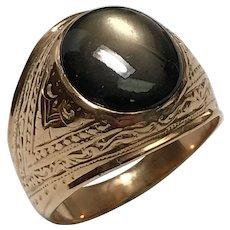 Vintage 18 k Yellow Gold Unisex Black Moonstone Ring.