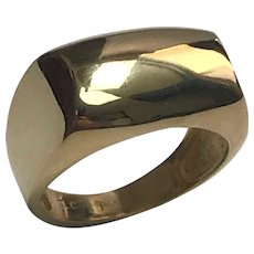 18 K Yellow Gold Rectangle Dome Shape Signet Ring