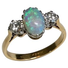 Vintage 18 K Yellow Gold/Platinum Opal & Diamond Ring