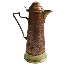 1900s English Arts and Crafts Copper Coffee Pot