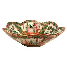 19th Century Chinese Rose Medallion Serving Bowl