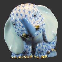 Herend Porcelain Baby Elephant Sitting First Edition SVHB 15429-0-00 Blue Fishnet