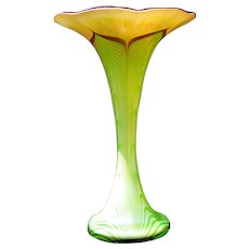 Large Signed Stuart Ableman Art Glass Iridescent Trumpet Form Pulled Feather Vase 2004