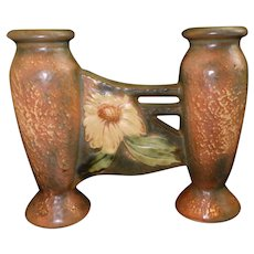 Roseville Pottery Arts & Crafts (1928) Dahlrose Double Bud Vase 79-6