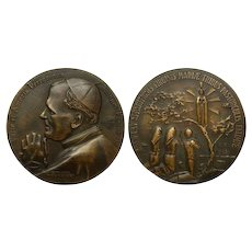 """Unusual Large Commemorative Bronze Medal 