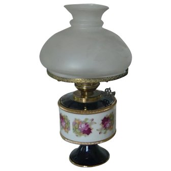 Vintage   Italian Florentine Table Lamp   Hand Painted porcelain   Etched glass shade