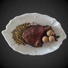 dollhouse Food : porcelain dish with meat