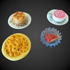 set of 6 pieces for Dollhouse : food,porcelain plates