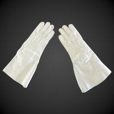 pair of leather Gloves for Fashion doll