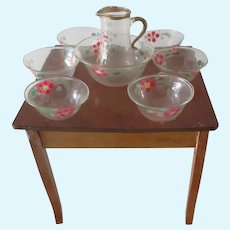 table + fine glass service for a Doll display 9 pieces