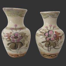 2 small porcelain Vases for dollhouse