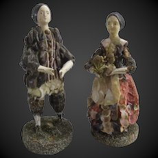"4 2/3"" couple of Shell dolls circa 1830"