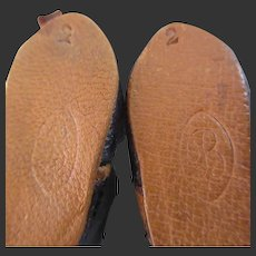 Bleuette shoes 1st period incised 2 B
