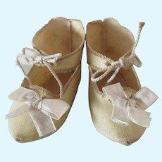 Jumeau size 8 . original shoes . oilcloth