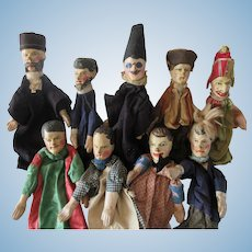 9 wooden Puppets XIX° c with Polichinelle medium size