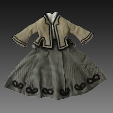 "Original outfit for a 17"" French fashion doll, uncommon drawstring skirt"